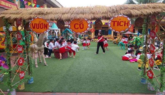 Tổ chức tiệc buffet tại sân trường
