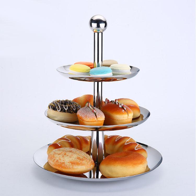 Hình ảnh giá trưng bày bánh kẹo buffet