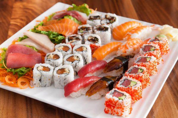 Hình ảnh buffet sushi nhật ngon