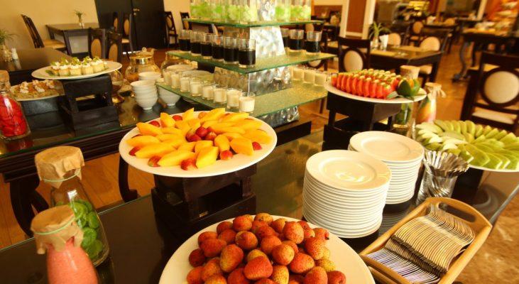 Thực đơn món tráng miệng trong tiệc buffet sáng khi ăn xong
