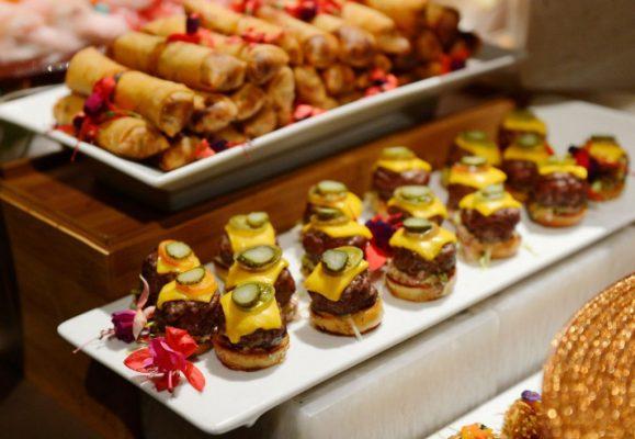 Tiệc finger food buffet là gì
