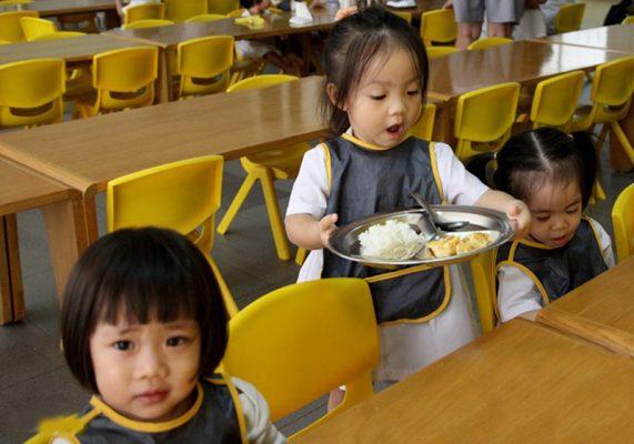 Khay cơm inox cho bé