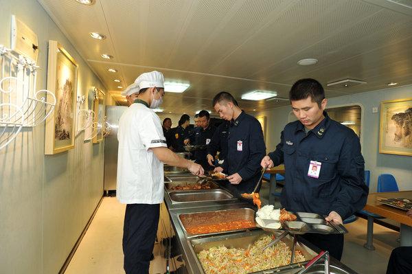 bếp cơm quân đội