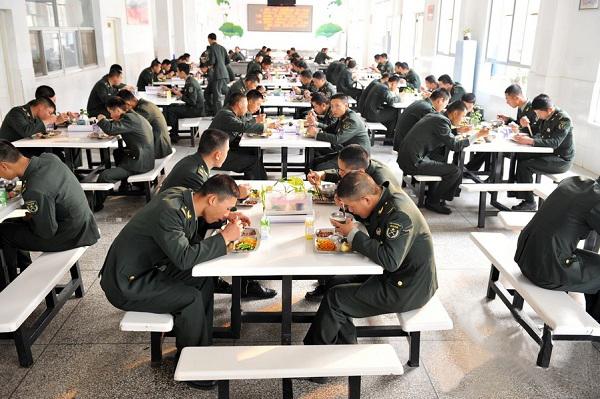 bữa cơm bộ đội