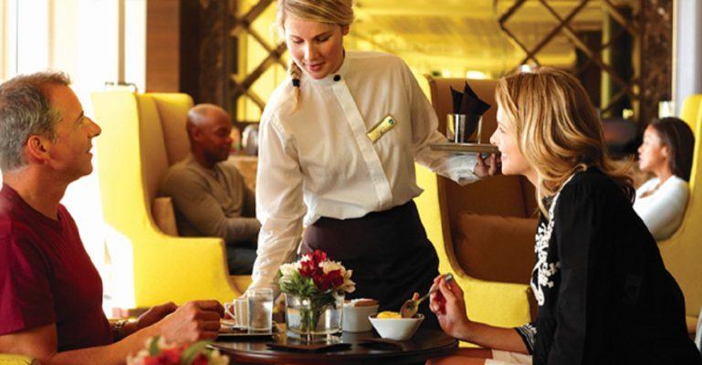 Phục vụ nhà hàng 5 sao