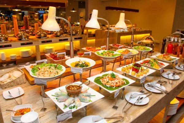 Quầy thức ăn buffet